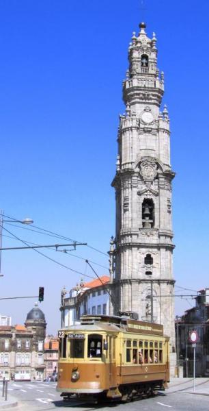 305-torre-dos-clerigos-oporto_big[1]