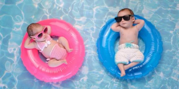 menina-e-menino-bebes-crianca-piscina-verao.jpg