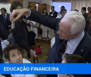 ed-financ.JPG