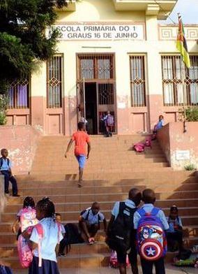 escola-mocambique.jpg