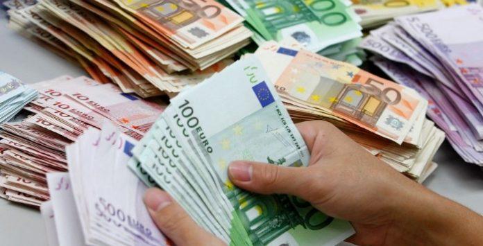 dinheiros-euros-696x355.jpg